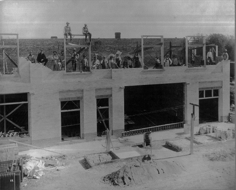 construction of the Leffingwell building